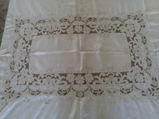 Very old linen/cotton tablecloth 205/170