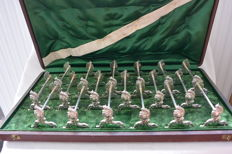 Box with 18 heavy silver plated knife rests in Louis the 15th style