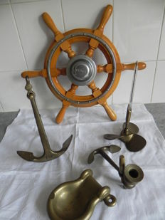 Wooden steering wheel - VETUS - and many maritime nautical items