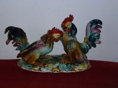 Glazed ceramics - rare and witty interpretation of two roosters fighters - bright multicolour