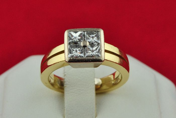 *Exclusive Princess cut Diamonds set on 18k White&Yellow Gold Ring - 4 Diamonds Total +/-1.10CT VVS Clarity/F Color - E.U Size 48 * Re-sizable **FAST SHIPPING**