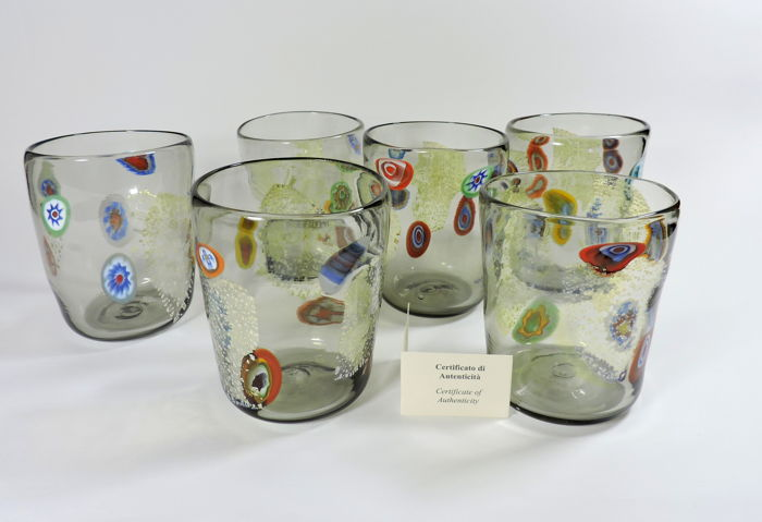 Murano - Set of 6 glasses (Goti de Fornasa) in grey blown glass, with murrine and silver leaf