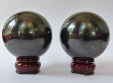 Lot of 2 Shungite spheres - 7.6 cm and 7.4 cm - 975 (2) g