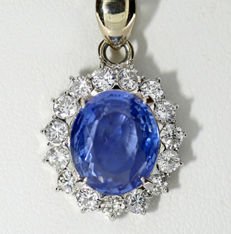 High-carat transparent sapphire and brilliant necklace, one sapphire of 4.12 ct