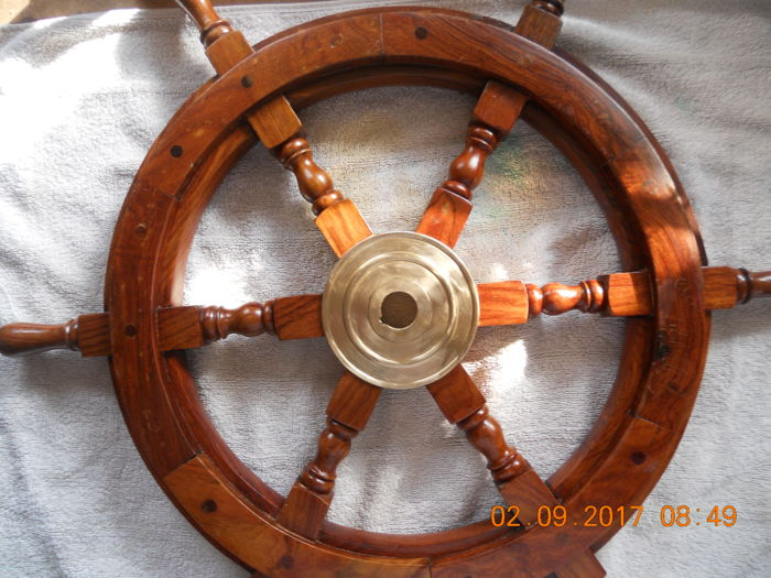 Steering wheel for boats