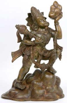 Bronze (31 cm) statue of God Hanuman lifting a mountain - India - approx. 1900
