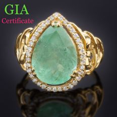 GIA certified 5.17 Ct. Emerald And 0.24 Ct. approx Diamonds (D/F/G ,VS/SI) in 18k Yellow Gold Ring