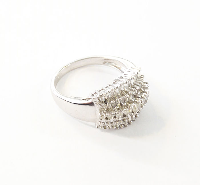 Anillo de oro 18 kts y diamantes 0,99 ct - Talla 16,5
