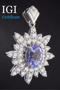 **Natural 2.75 Sapphire And 1.0 Ct. Approx  Diamonds  (D/F/G ,VS/SI)  set with 18k White gold