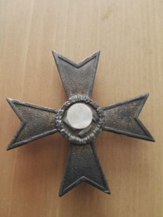 War merit cross 1st Class with manufacturer