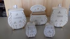 Kitchen set in Capodimonte porcelain