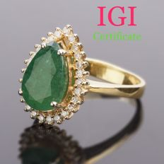 18k Yellow Gold And Natural 2.76ct Emerald set with 0.30 Ct. Diamonds