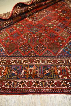 Highly valuable hand-knotted Persian carper 347 x 236 cm End of the 20th century