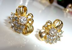 14 kt / 585 gold diamond stud earrings with approx. 1.7 ct of brilliant cut diamonds
