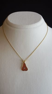 18 Ct Necklace with A Pear Shaped Pendant, *** No Reserve ***