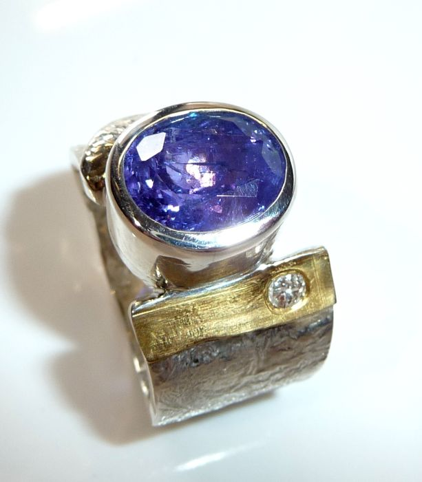 Men's ring – heavy ring made by a goldsmith with 5.44 ct tanzanite + 0.10 ct of diamonds – size 63-64