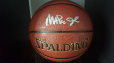 Gesigneerde Magic Johnson Spalding indoor/outdoor Basketbal