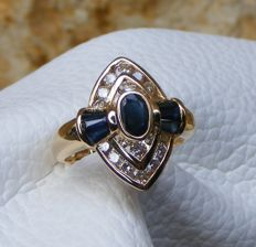 18 kt gold ring with sapphires and diamonds totalling 1.87 ct - No reserve price