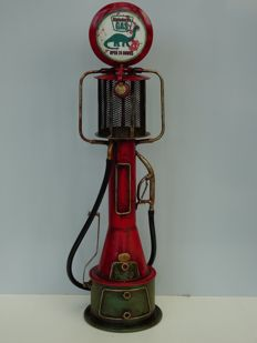 Petrol pump based on a pre war model - 47 x 13 cm