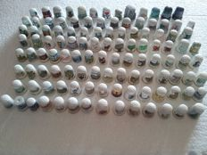 Collection of 114 different timbles - Collection of 114 thimbles