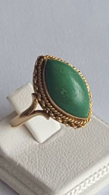 18 Ct  Ring with Green Turquoise, *** No Reserve ***