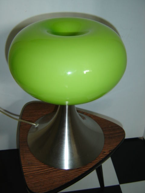 prisma leuchten space age ufo table lamp apple green catawiki. Black Bedroom Furniture Sets. Home Design Ideas