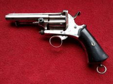 Rare elegant Lefaucheux men's Revolver Caliber 9 mm with closed frame - ca. 1840