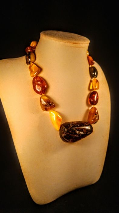 100% Baltic Amber necklace, length  47 cm, 77 grams