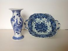De Porceleyne Fles & Royal Delft Blue - Vase and plate with ears