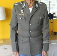 Uniform jacket of a non-commissioned officer of the NVA