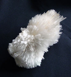 Large white Scolecite crystal cluster - 120x50 mm - 398 gm