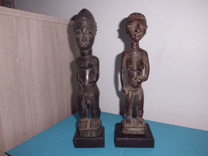 Congo - 2 large and old statues YOMBE - fetish - 1st half 20th century