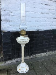 Brocante old brass oil lamp, 75 cm, painted, England, mid 20th century