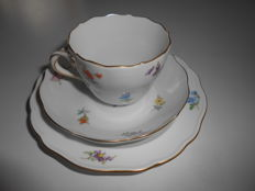 Meissen - 3-piece mocha set with scattered flower decor - small coffee set