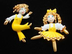 My Valentine - Vintage 1970s - Set of 2 Brooches - Gold plated & Enameled dancing Dolls - Catalogue items - NO Reserve