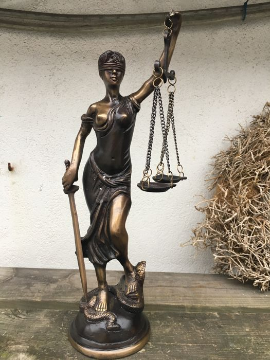 Lady Justice in bronze - contemporary