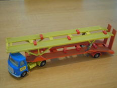 Dinky Toys - Scale 1/48 - AEC Articulated Lorry Hoynor Car Transporter No.974