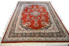 A beautiful and high quality Oriental carpet Indo Tabriz 340 x 238 cm. End of the 20th century