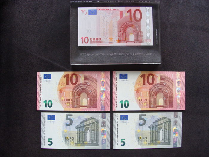 European Union - 2 x 5 euros 2013 and 2 x 10 euros 2014 - Mario Draghi (with consecutive serial numbers) and 10 euros in plexiglass