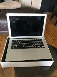 Apple Macbook Air 256GB - Core i5