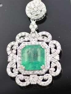 18k White Gold , 7.80ct Emerald & 3.0ct Diamond Pendant 45mm x 30mm HKD Certificate