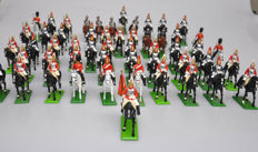 Britains, England - Schasal 1/32 - Lot with 53 metal British cavalrymen on horse, 20th century