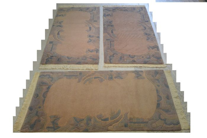 Four Nepalese rugs 149 x 75 cm, 142 x 72 cm, 2 je 144 x 76 cm. End of the 20th century