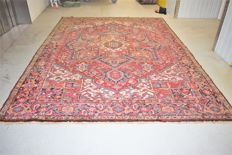 Persian Heriz rug - around: 1950 - approx.: 350 x 250 cm - with certificate of authenticity