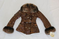 ELSAFUR - Exclusive coat in snake/fox skin.