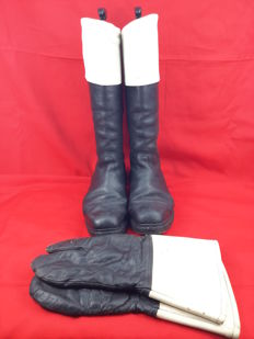 Germany WWII - Original Wehrmacht Boot and Glove Set - Motorcycle