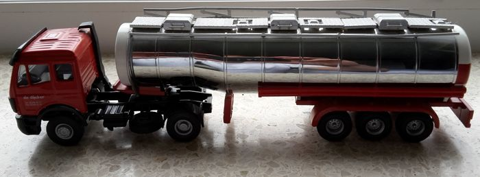 "Lion Toys / Tekno - Scale 1/50 - Mercedes-Benz L 1840 2 axle Truck with 3 axle Bulk tanker-trailer 1998 ""De Dijcker"" from Belgium"