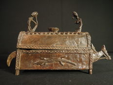 Trough in bronze - DOGON - Mali