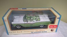 Sun Star - Scale 1/18 - Ford Fairlane Skyliner 1957 - The retractable hardtop - 1st edition - Item 1332