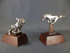 "Lot of 2 American car mascots in chrome metal, Bulldog ""Mack"" and ""Ford Mustang"" horse - circa 1960"